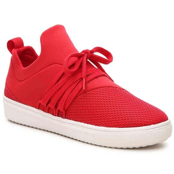 2284c63c71c Steve Madden Lancer Sneaker. Red. Size 6.5